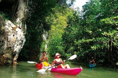 Kayaking Borthor krabi