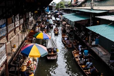 Bangkok Tour Operator Floating Market