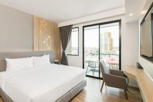 ASQ-Deluxe-room-amber-hotel-pattaya