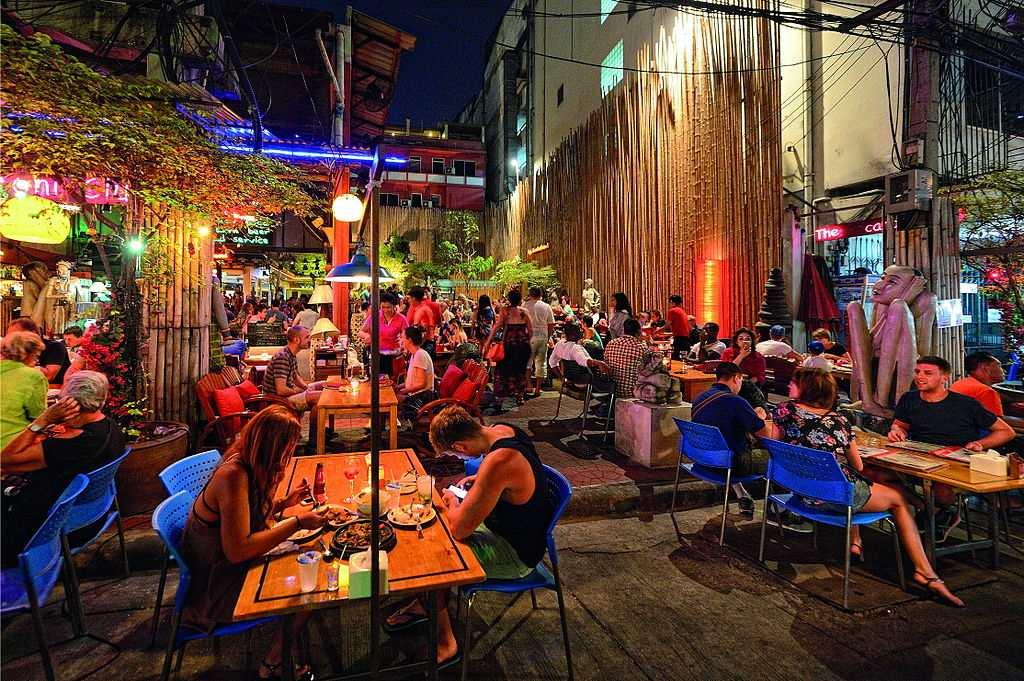 Eating at Khaosan Road