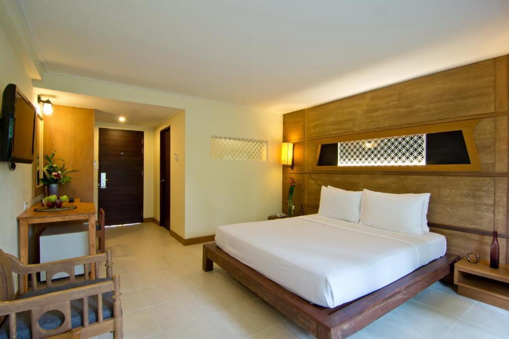 Superior Room at Sunshine Garden Pattaya
