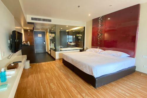 Furama Silom Deluxe Room