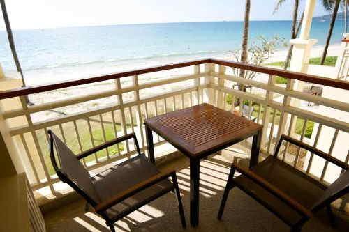 Saii Laguna Ocean front Balcony room