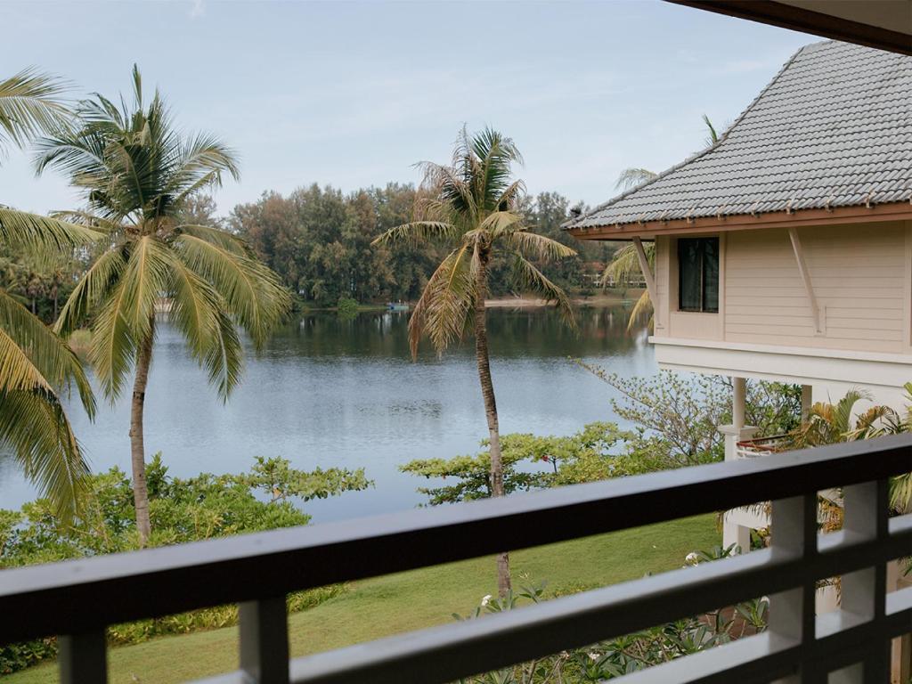 Saii Laguna Phuket Hotel Lagoon View Room 5