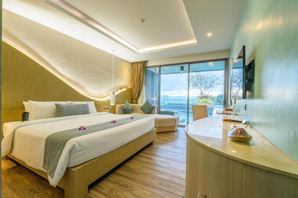 The Crest Phuket Deluxe Pool access sea view 5