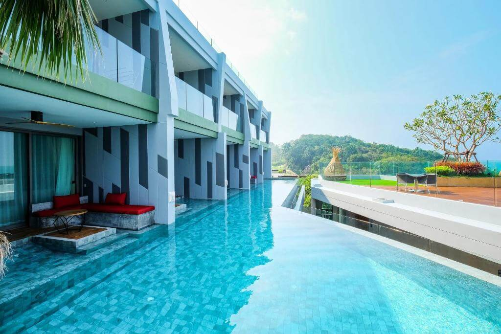 The Crest Phuket Deluxe Pool access sea view 1
