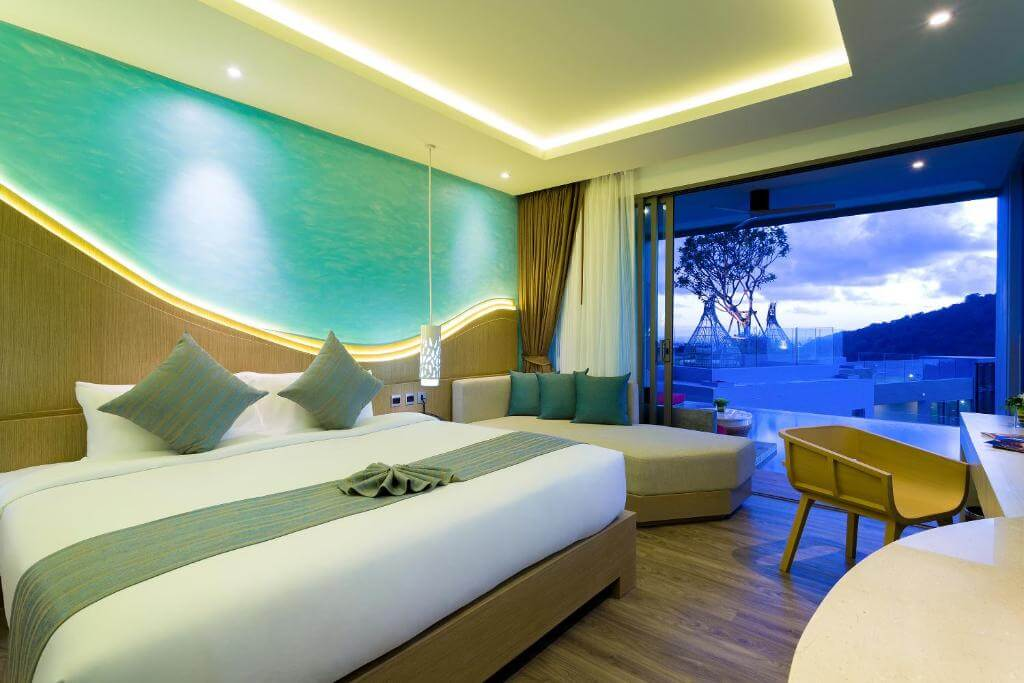 The Crest Phuket Deluxe Pool access sea view 8