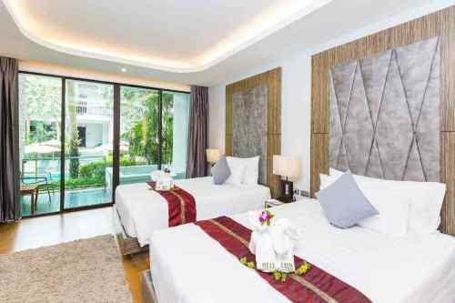 Deluxe Room at wyndham sea pearl resort