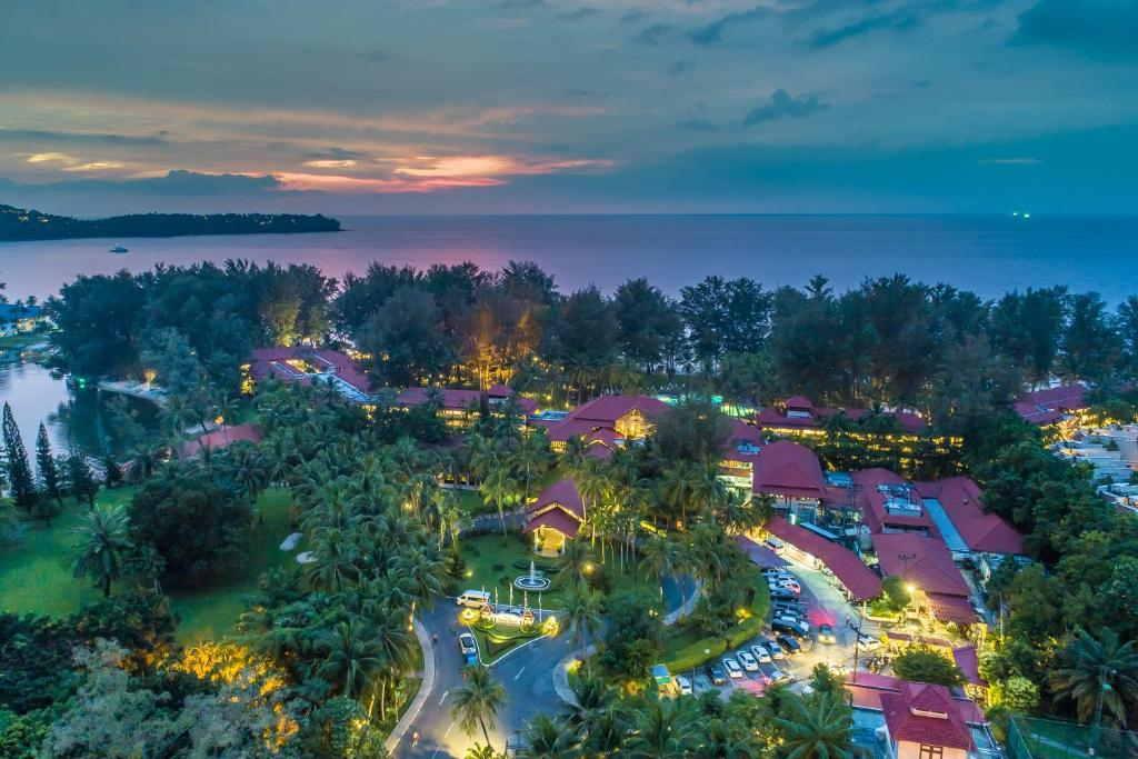 Dusit Thani Laguna Phuket 12