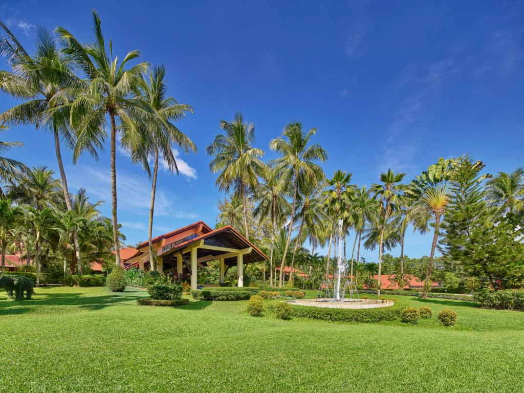 Dusit Thani Laguna Phuket 11