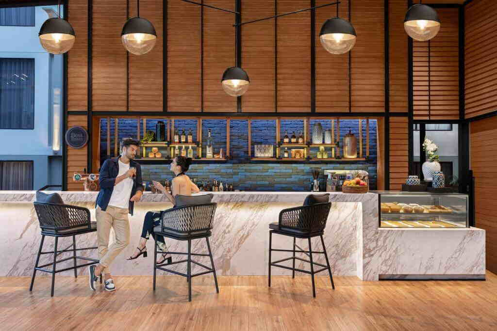 Four Points by Sheraton Hotel Bar