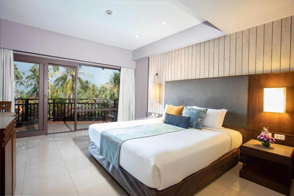 Supeiror Pool VIew Patong Merlin Hotel King
