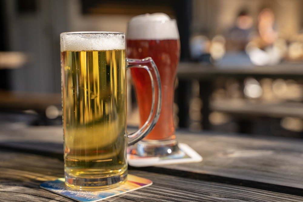Restaurants in Phuket Allowed to Serve alcoholic Beverages