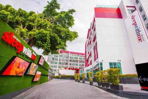 Sleep with me Hotel Patong
