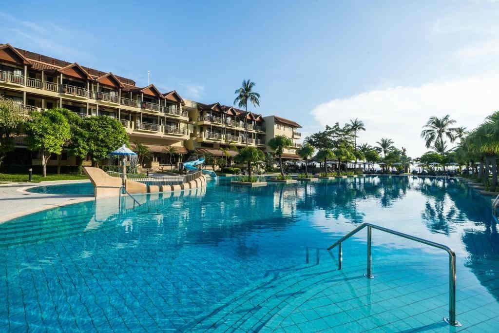 Phuket Marriott Merlin Beach 15