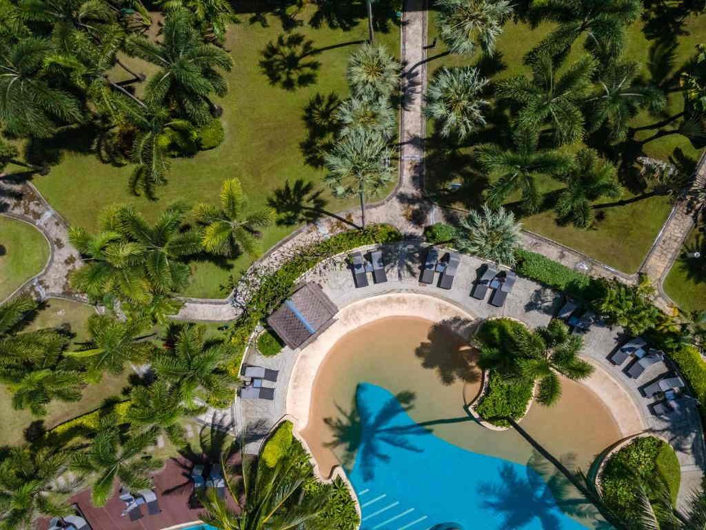 Phuket Marriott Merlin Beach