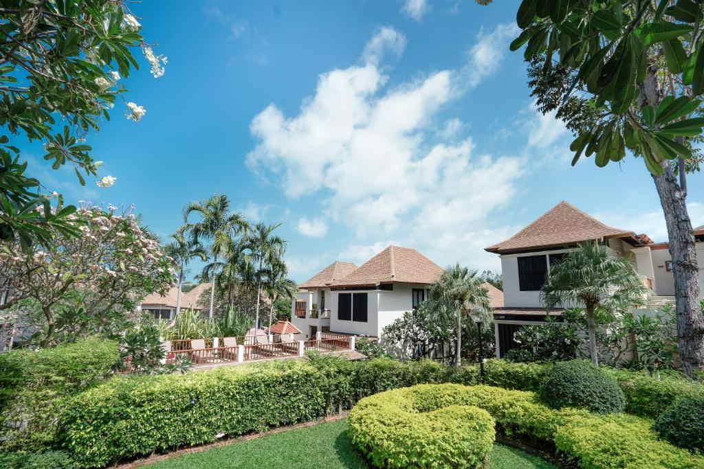 The Briza Beach Resort Samui 14