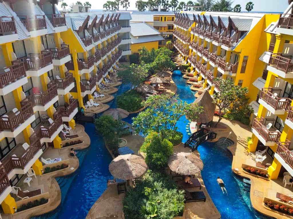 Woraburi Resort Phuket 11