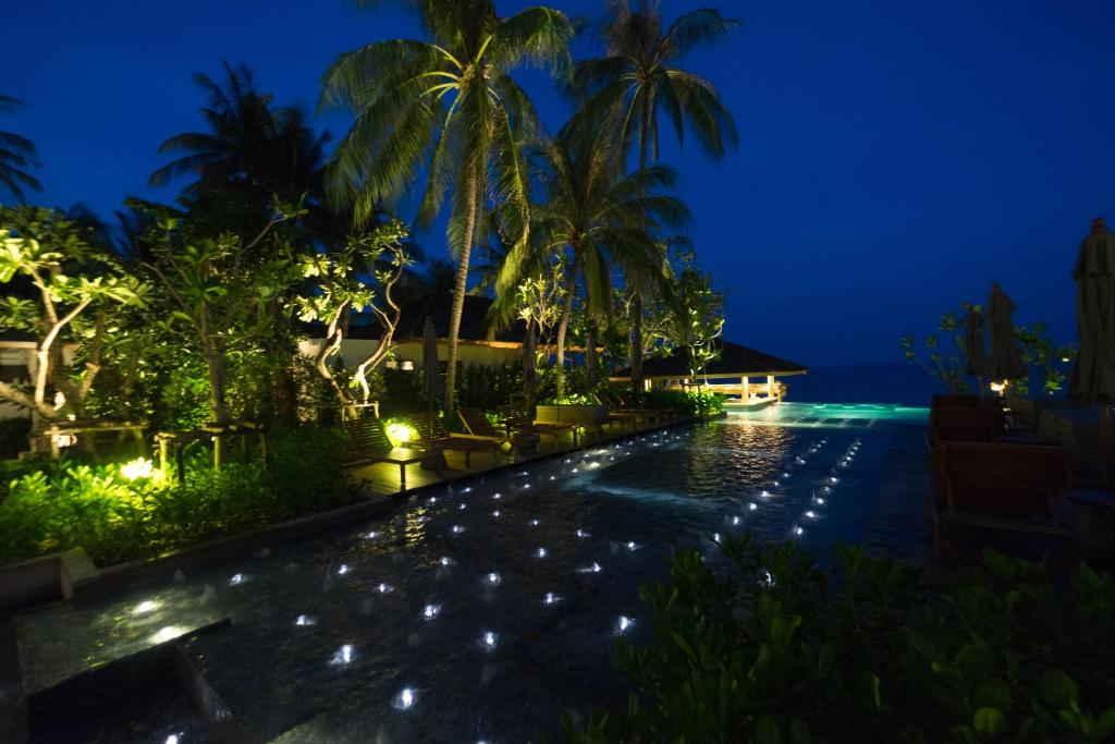 Banana Fan Sea Resort 16