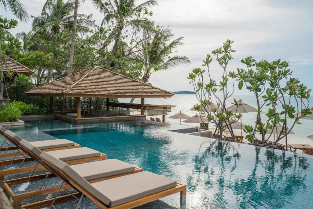 Banana Fan Sea Resort 17