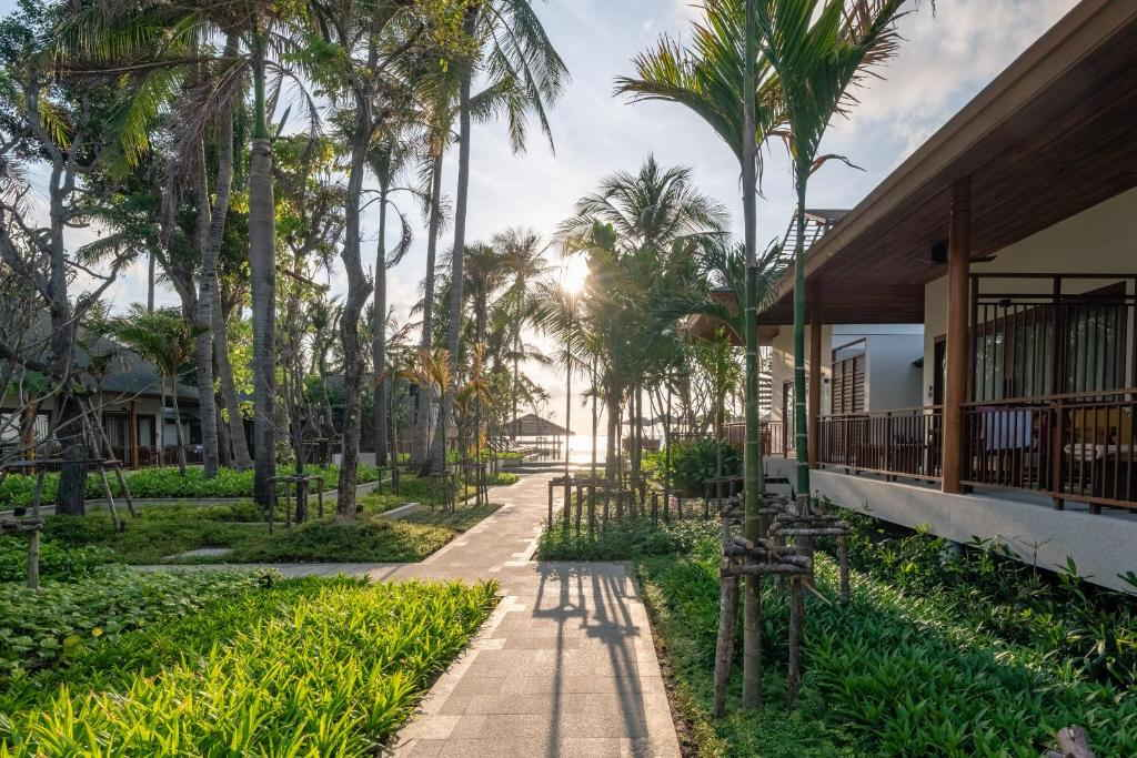 Banana Fan Sea Resort 20