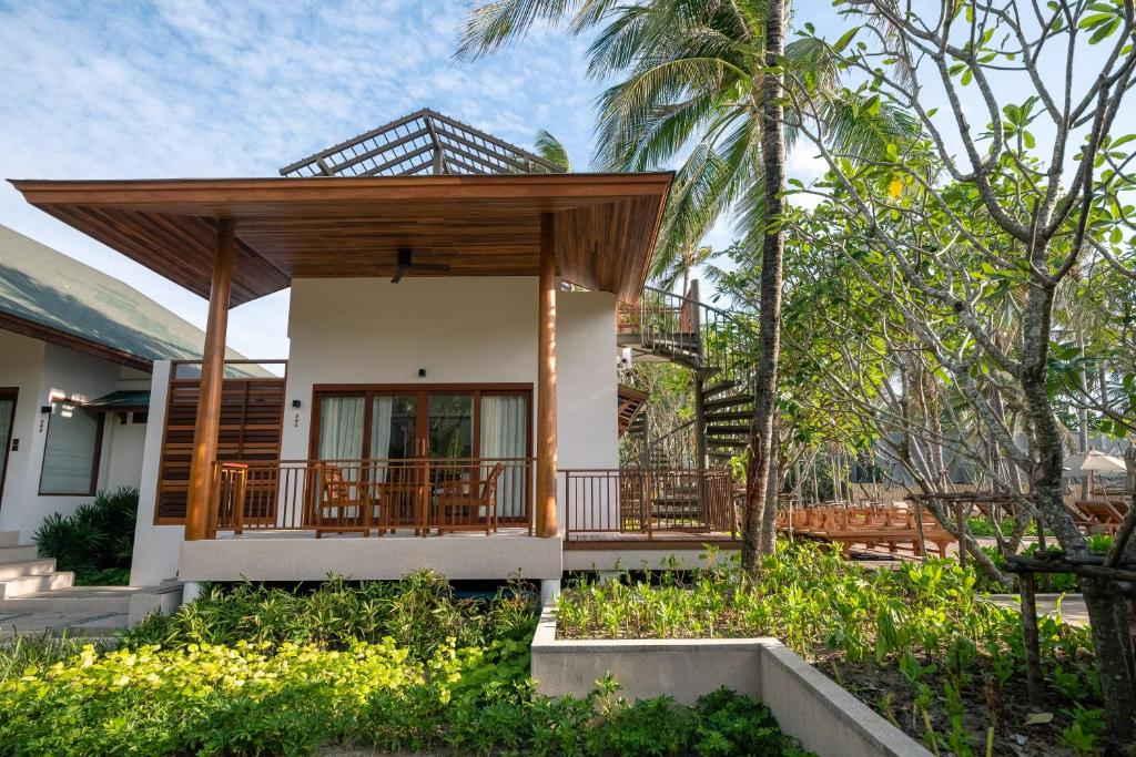 Banana Fan Sea Resort 2
