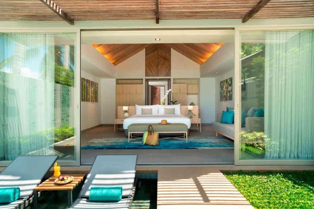 One Bedroom Beachfront Pool Villa Avani 2