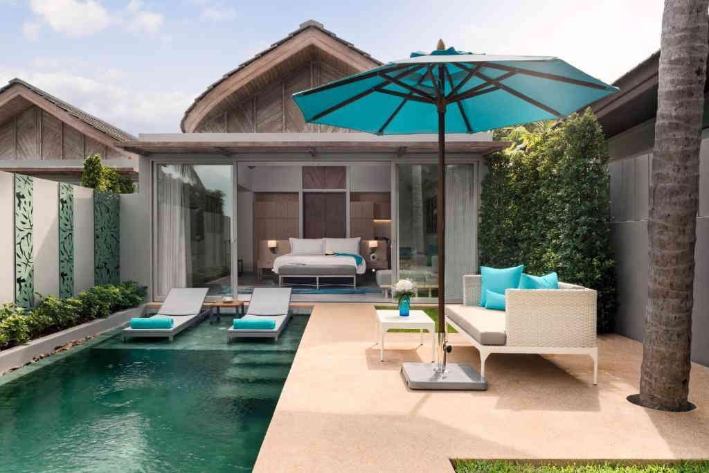 One Bedroom Beachfront Pool Villa Avani 5