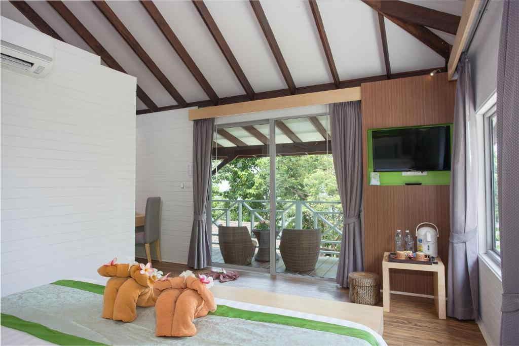 Phi Phi Natural Resort 15