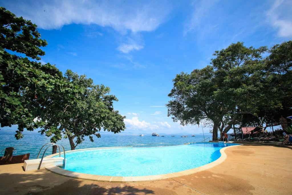 Phi Phi Natural Resort 3