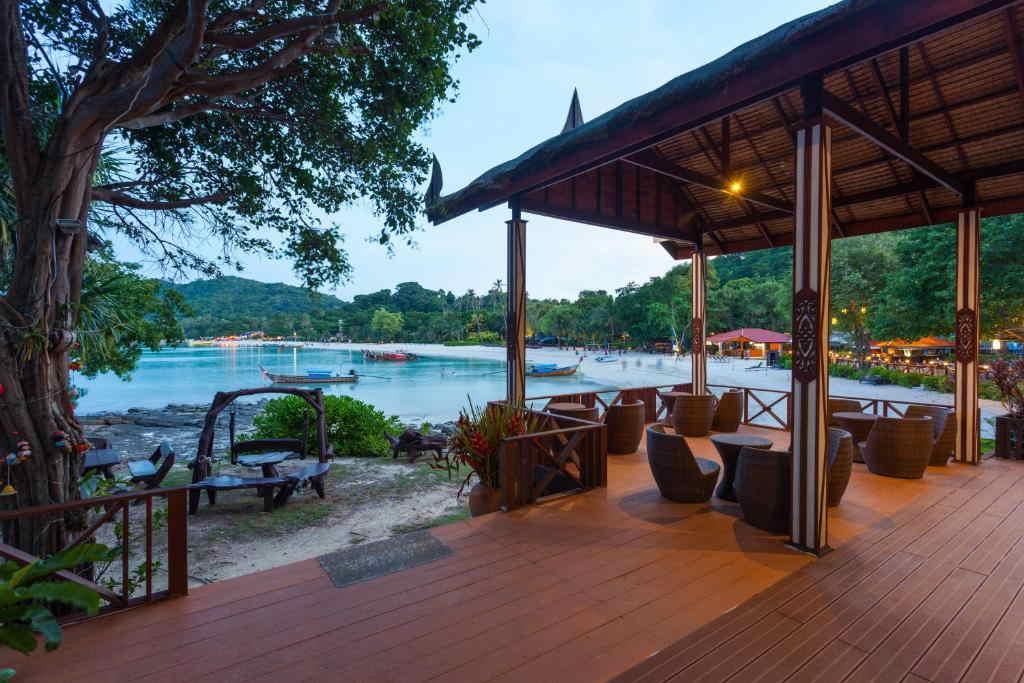 Phi Phi Natural Resort 7