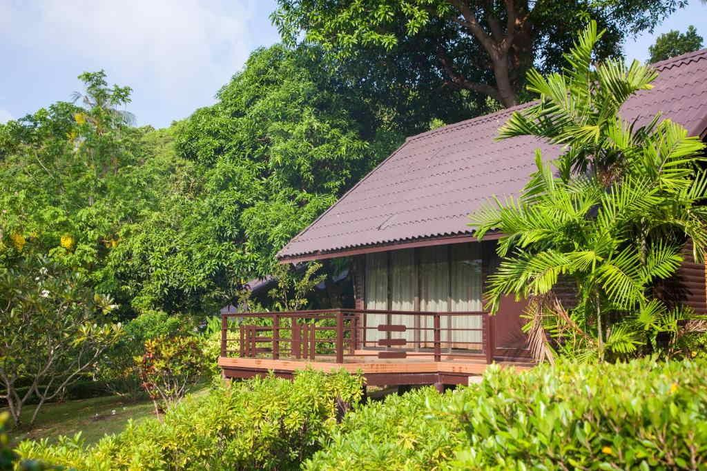 Phi Phi Natural Resort 8