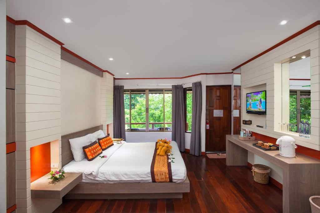 Phi Phi Natural Resort 17