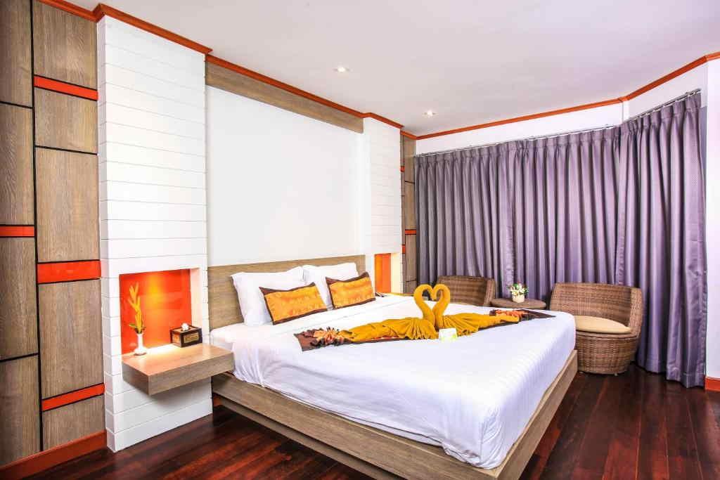 Phi Phi Natural Resort 18