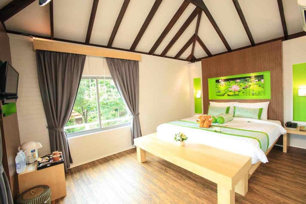 Phi Phi Natural Resort 14