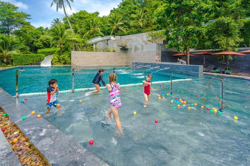 Sunsuri Phuket Resort 11