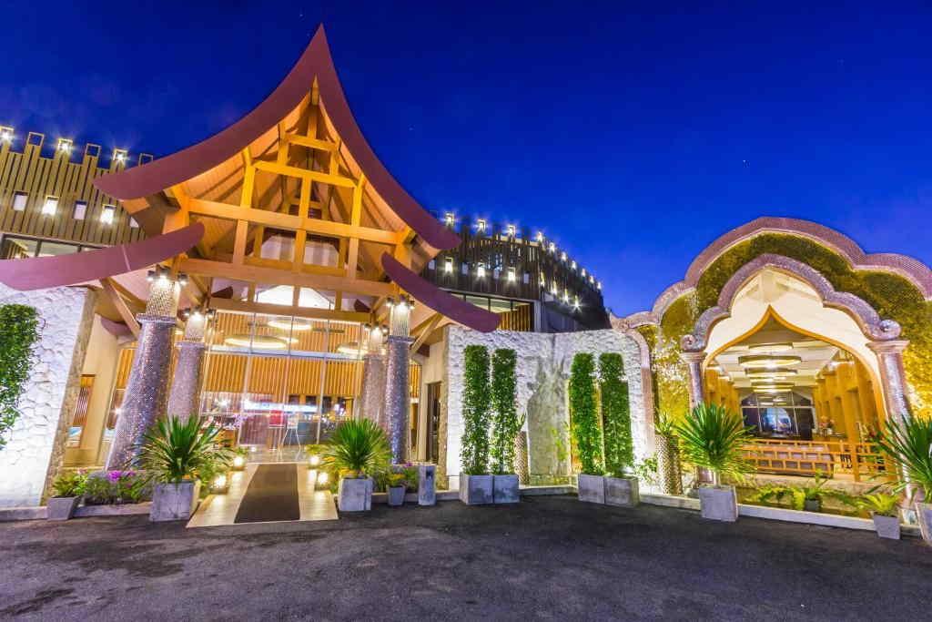 Beyond Resort Karon 9