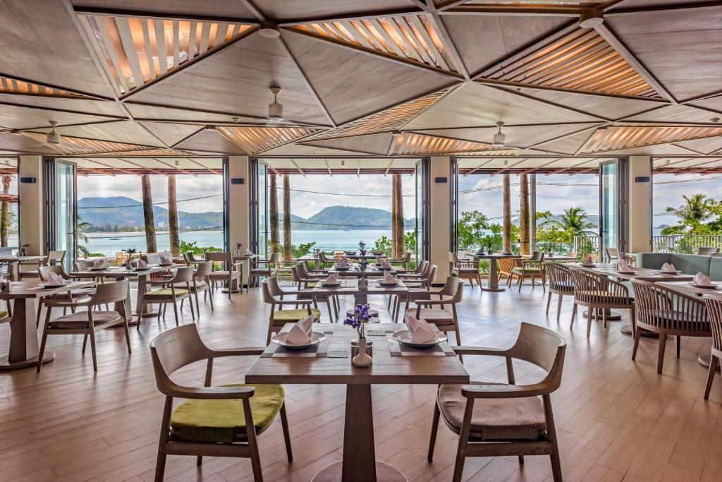 Ocean front Beach resort Phuket 22