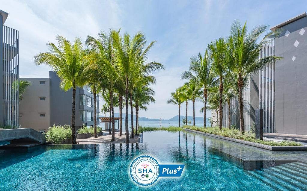Ocean front Beach resort Phuket 11